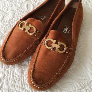 Salvatore Ferragamo Women's Loafers (Size 10)